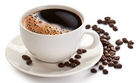 Повышенное давление: можно ли пить кофе при таком диагнозе или лучше перейти на его заменители?