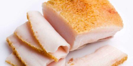 Полезные свойства подкожного жира, можно ли при диагнозе гипертония есть сало?