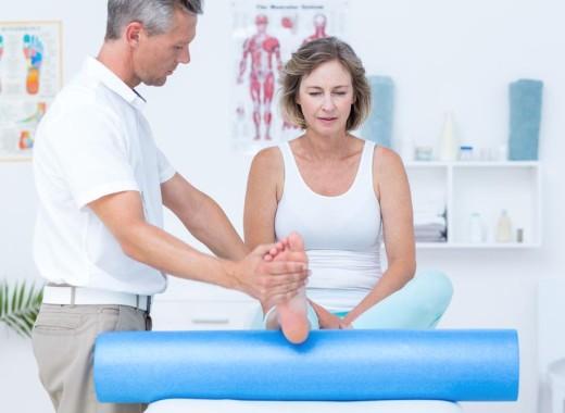 7 возможных причин боли косточки на ноге, около большого пальца