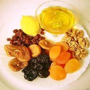 Сухофрукты и мед