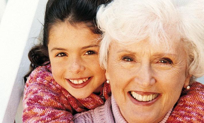 Бабушкина хитрость: вот почему у неё не болят суставы (4 достоинства волшебной растирки)