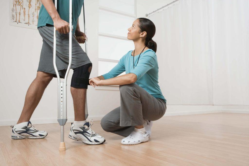 5 советов и упражнения для реабилитации после перелома шейки бедра