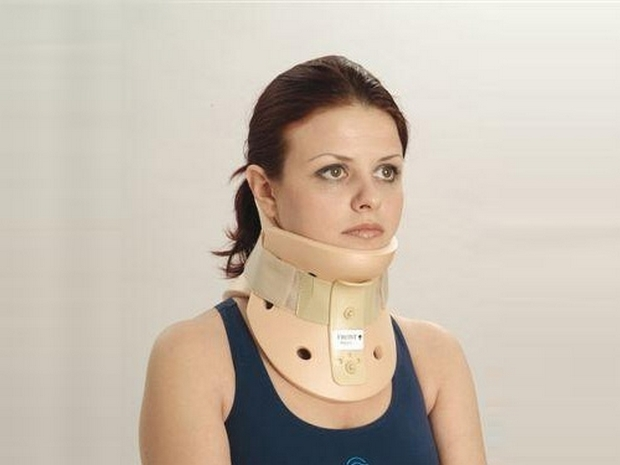 Корсеты шея и другие держатели для шейного отдела: бандажи, фиксаторы, ошейники.