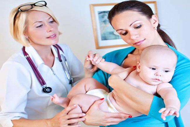 Ребенок у педиатра