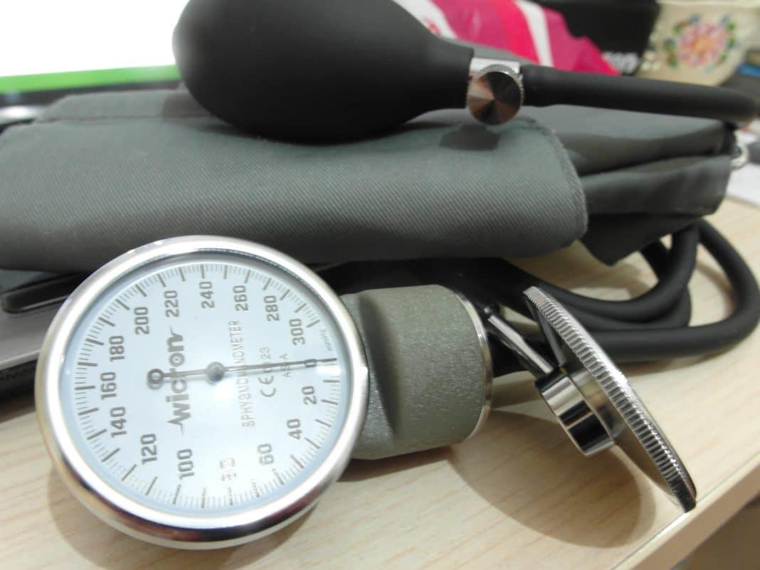 Как измерить давление механическим тонометром