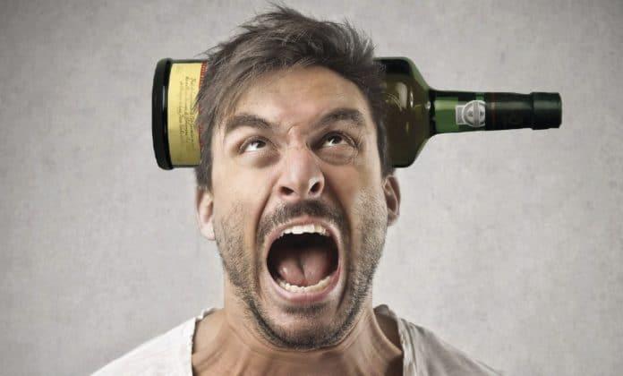 Алкогольный психоз: как его распознать?