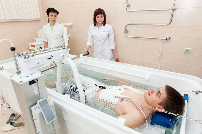 Операция на позвоночнике с металлоконструкцией. Какие ограничения при реабилитации?