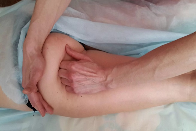 массирование ягодичной мышцы