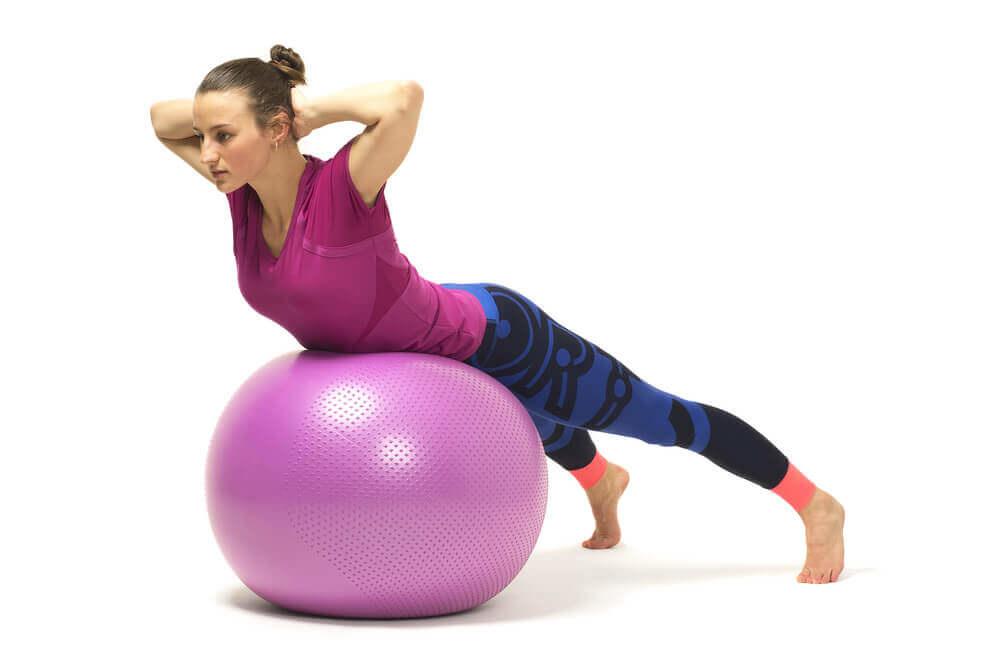 16 эффективных упражнений при болях в пояснице
