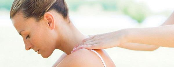 9 методов, чтобы убрать горб на шее в виде отложения солей