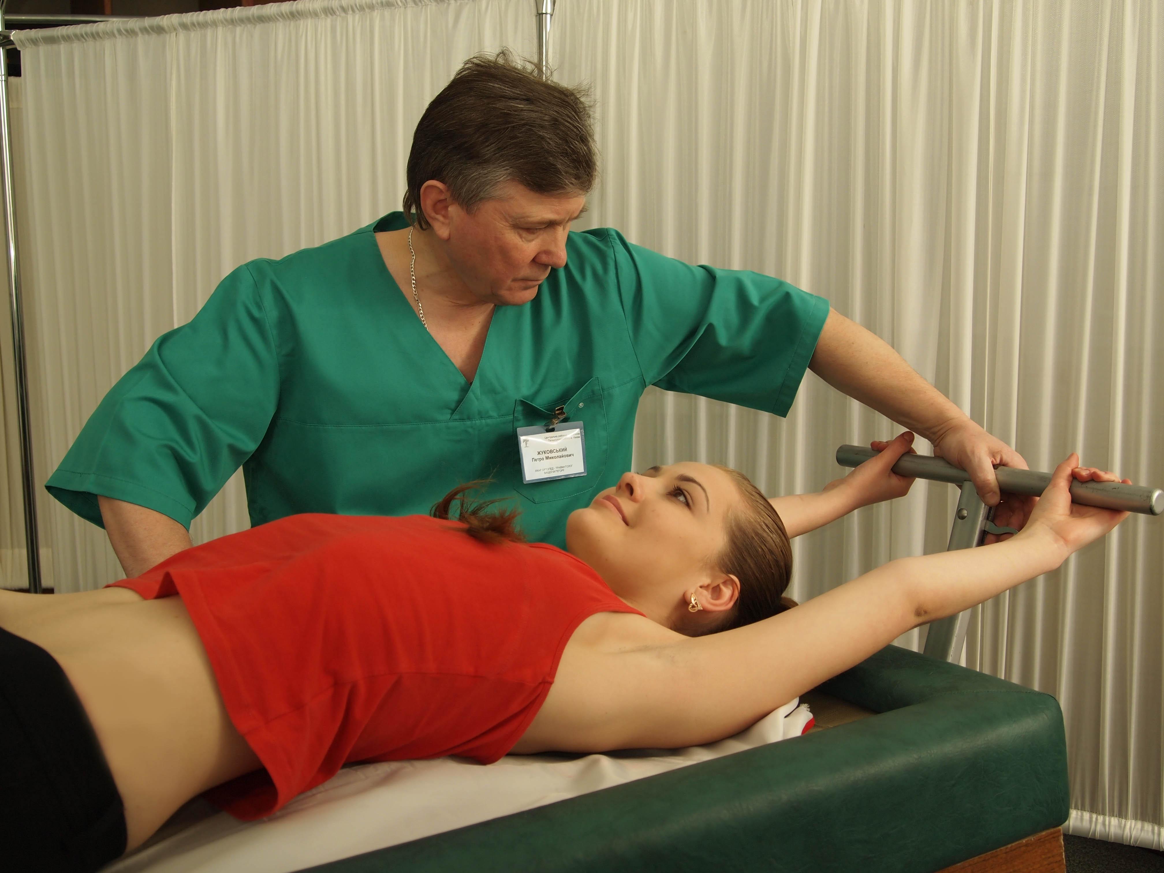 7 видов терапий для лечения грыжи поясницы в санаториях. Помогает ли?