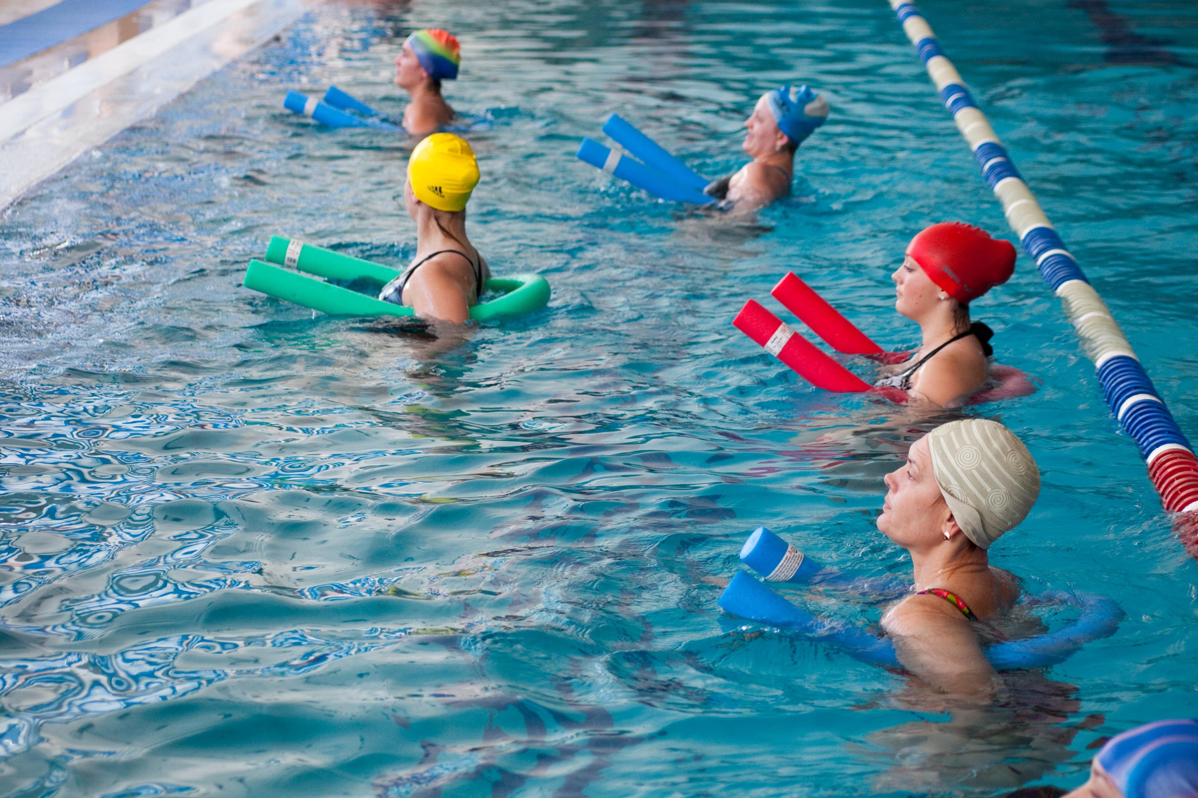 5 видов спорта, которыми можно заниматься при грыже позвоночника