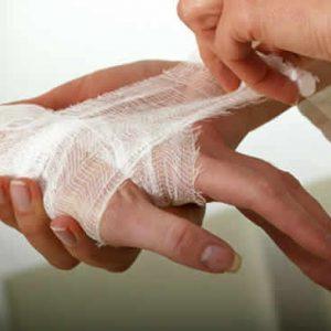 Бинтовка раны на руке