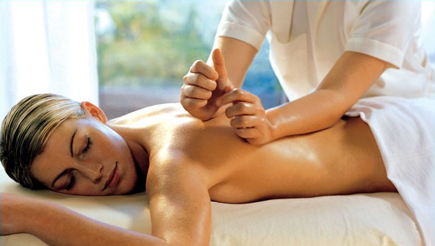 Поможет ли массаж позвоночника при грыже? И может ли это навредить?
