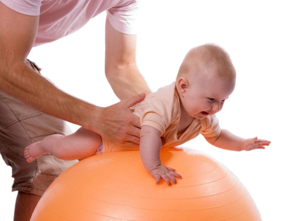 Массаж ребенку для укрепления спины, от 6 месяцев до 6 лет как делать?