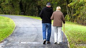 Прогулки при боли в суставах