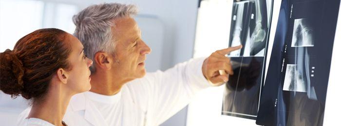 Вредно ли хрустеть шеей? 8 причин хруста при наклонах и поворотах