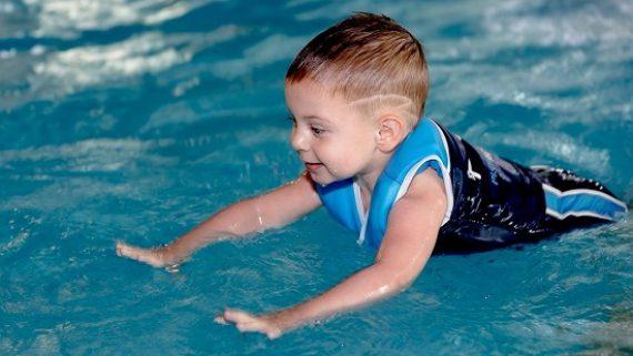 10 упражнений для лечения сколиоза у детей. Можно ли это делать дома?