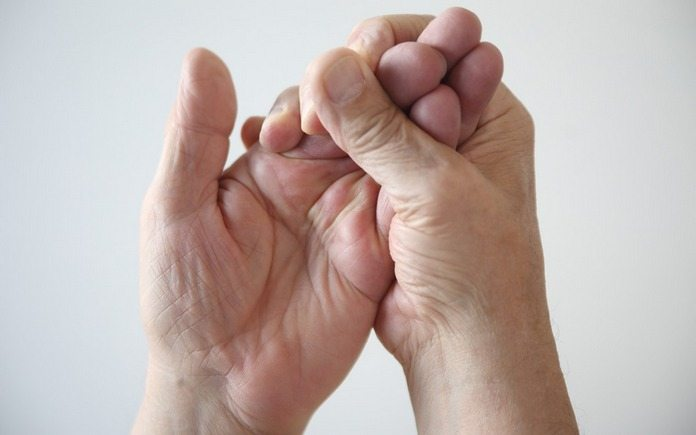 10 причин онемения кончиков пальцев на руках. Проверьте, чем вы можете быть больны