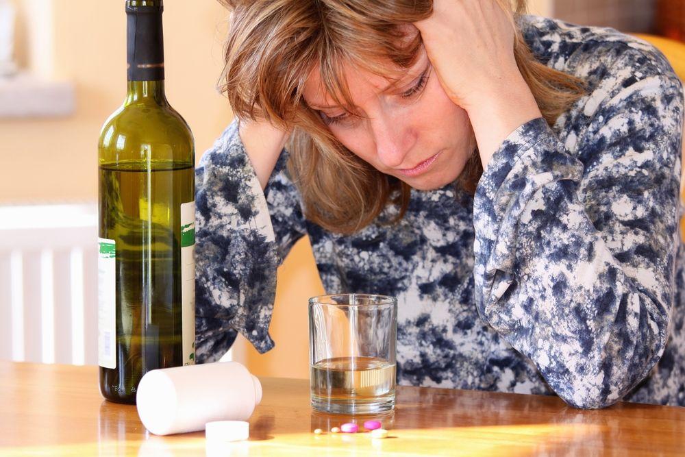 Можно ли пить алкоголь при остеохондрозе? И какие могут быть последствия