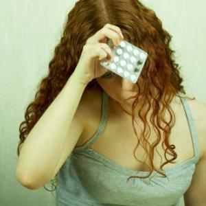 Девушке плохо от таблеток