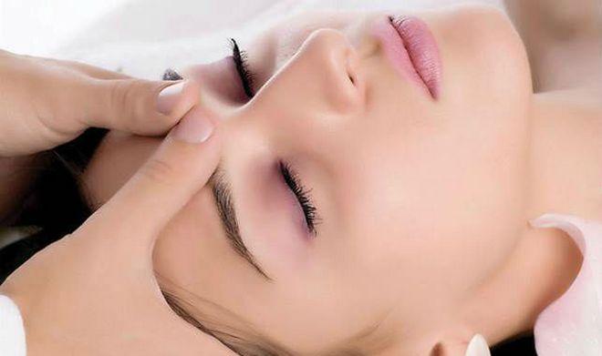 С немедикаментозных способов лечения отметим массаж головы.