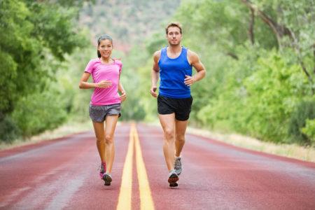 Есть ли противопоказания к бегу при гипертонии, описание патологии, как правильно бегать