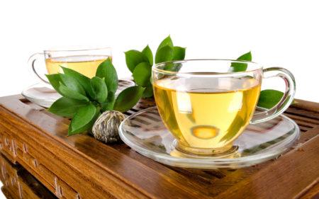 Способен ли зеленый чай повышать или понижать артериальное давление, правила приготовления, противопоказания и взаимодействия