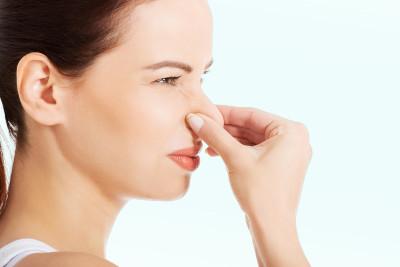 Почему запах из влагалища становится неприятным?