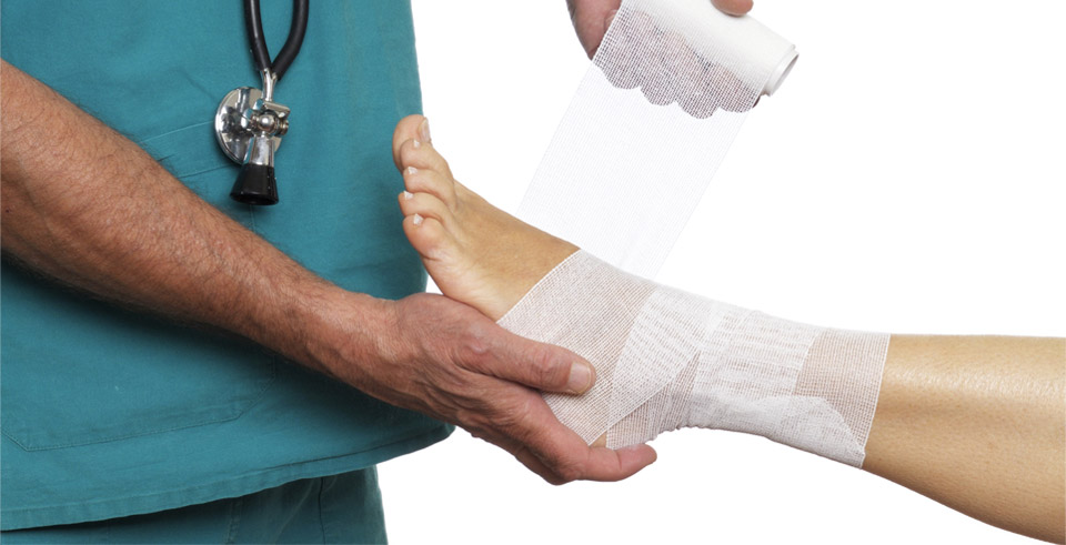 Ушиб кости голеностопа, или голеностопного сустава, правильное лечение