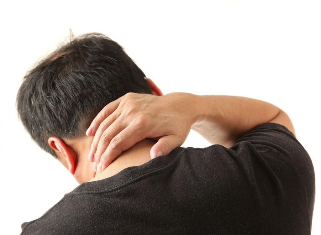 4 этапа подготовки к массажу банками при остеохондрозе шеи