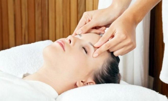 Можно также делать массаж головы с янтарным маслом.
