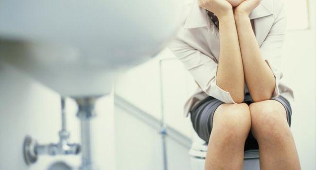 Причины частого мочеиспускания у женщин без боли