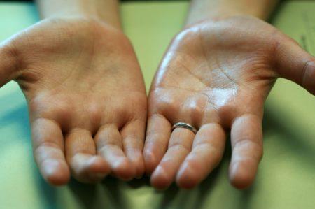 Как быстро поднимают давление в домашних условиях, причины гипотензии, симптомы, лечение и профилактика