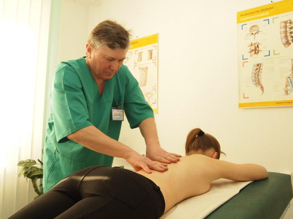 5 видов массажа при остеохондрозе поясницы