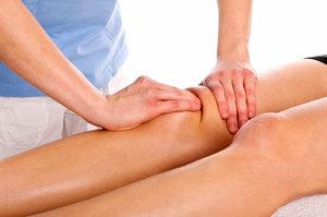 Массаж опухшего коленного сустава