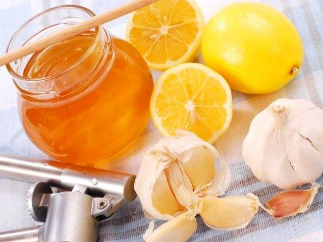 Лечение гипертонии народными средствами в домашних условиях с помощью лимона и меда