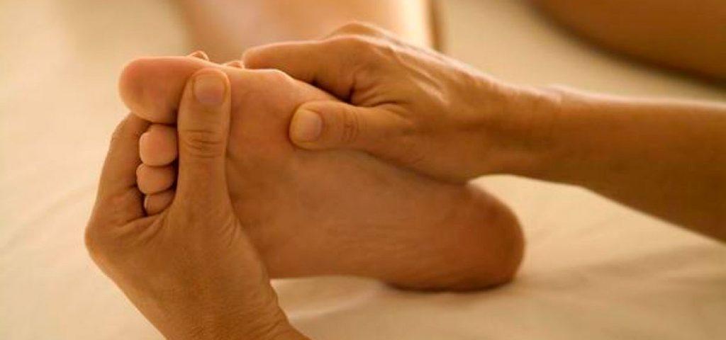 как снять судороги ноги